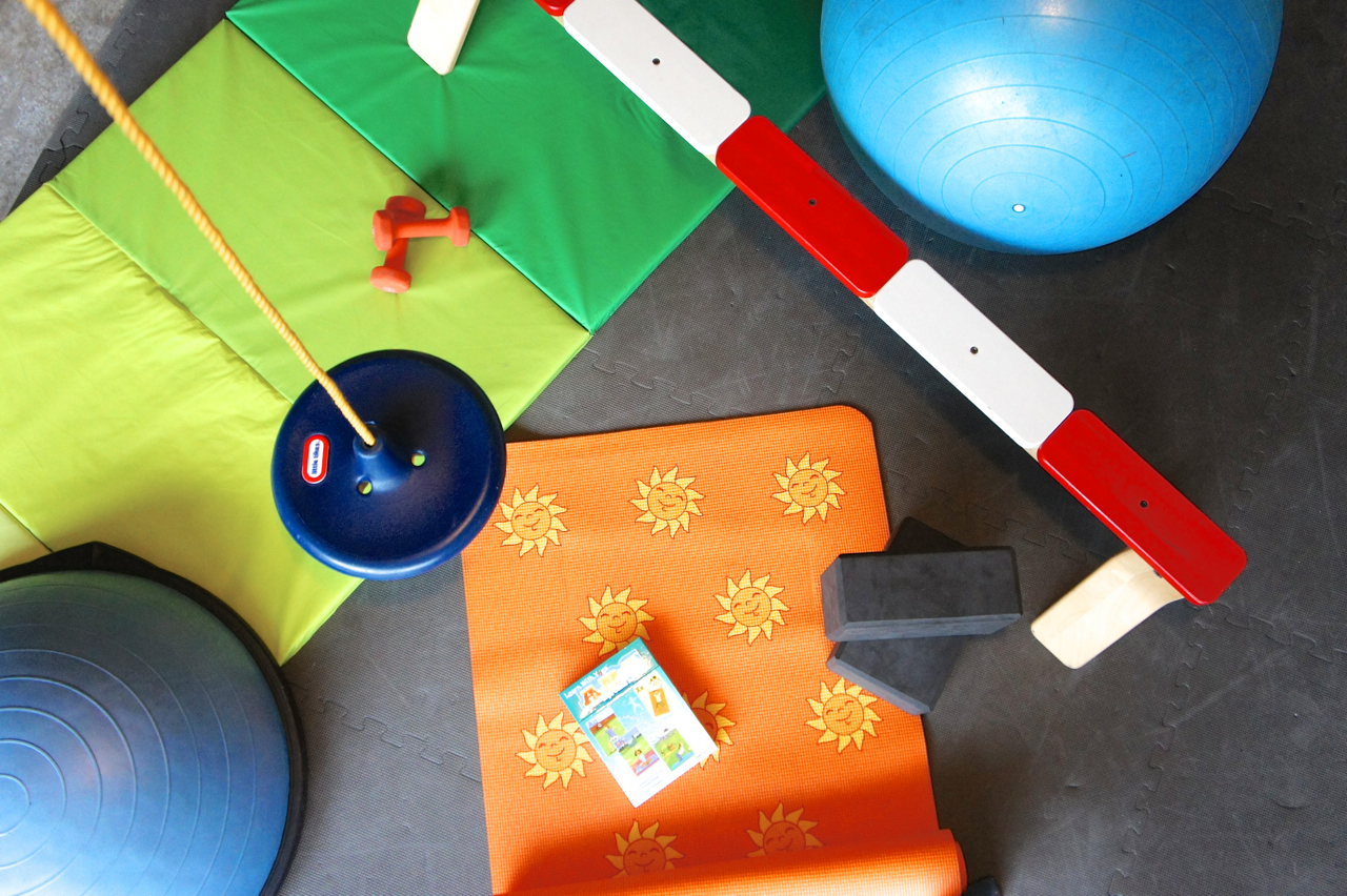 Kid's Home Gym Equipment // carrotbowl.com